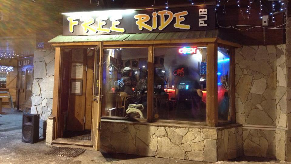freeride-cafe-bar-alpe-d-huez-exterior-alpe-d-huez-centre