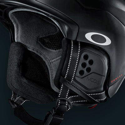 Oakley Helmet Features - Removable Ear Pads